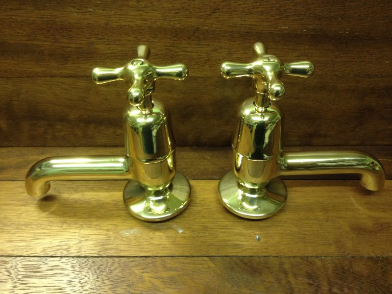 Stamped indices on brass basin taps with long spouts