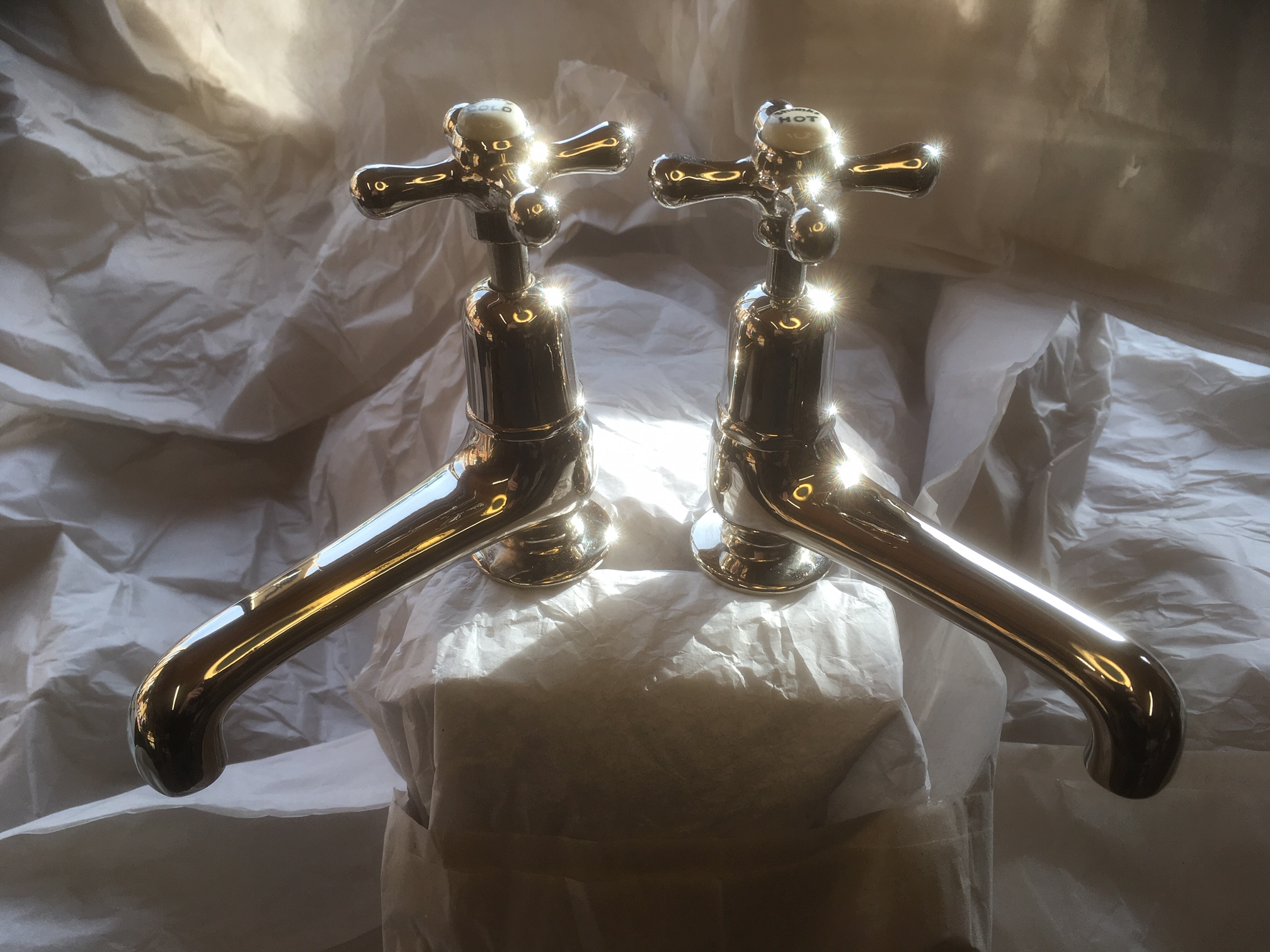 4.5″ spouts on basin taps, by Shanks – FOR SALE