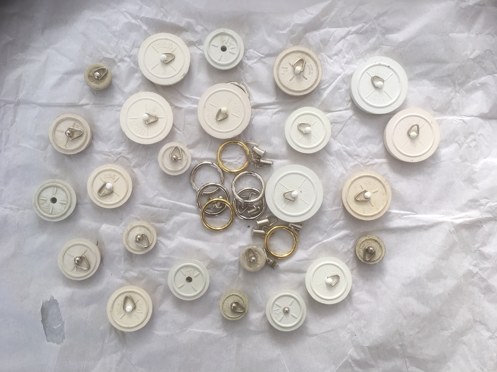 Plugs for all sizes of Bath & Basin – FOR SALE